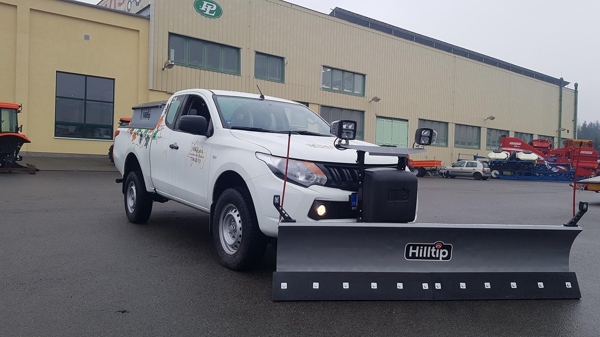 Hilltip-2250-rovny-pluh-rozmetadlo-850-litru-pro-firmu-MK3-(1).jpg