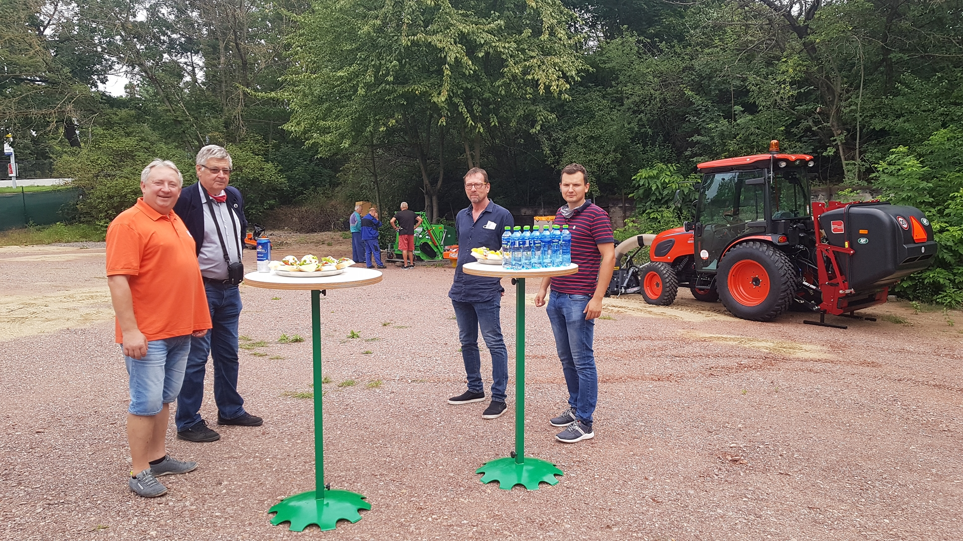 Mendelova-univerzita-traktor-Kioti.jpg