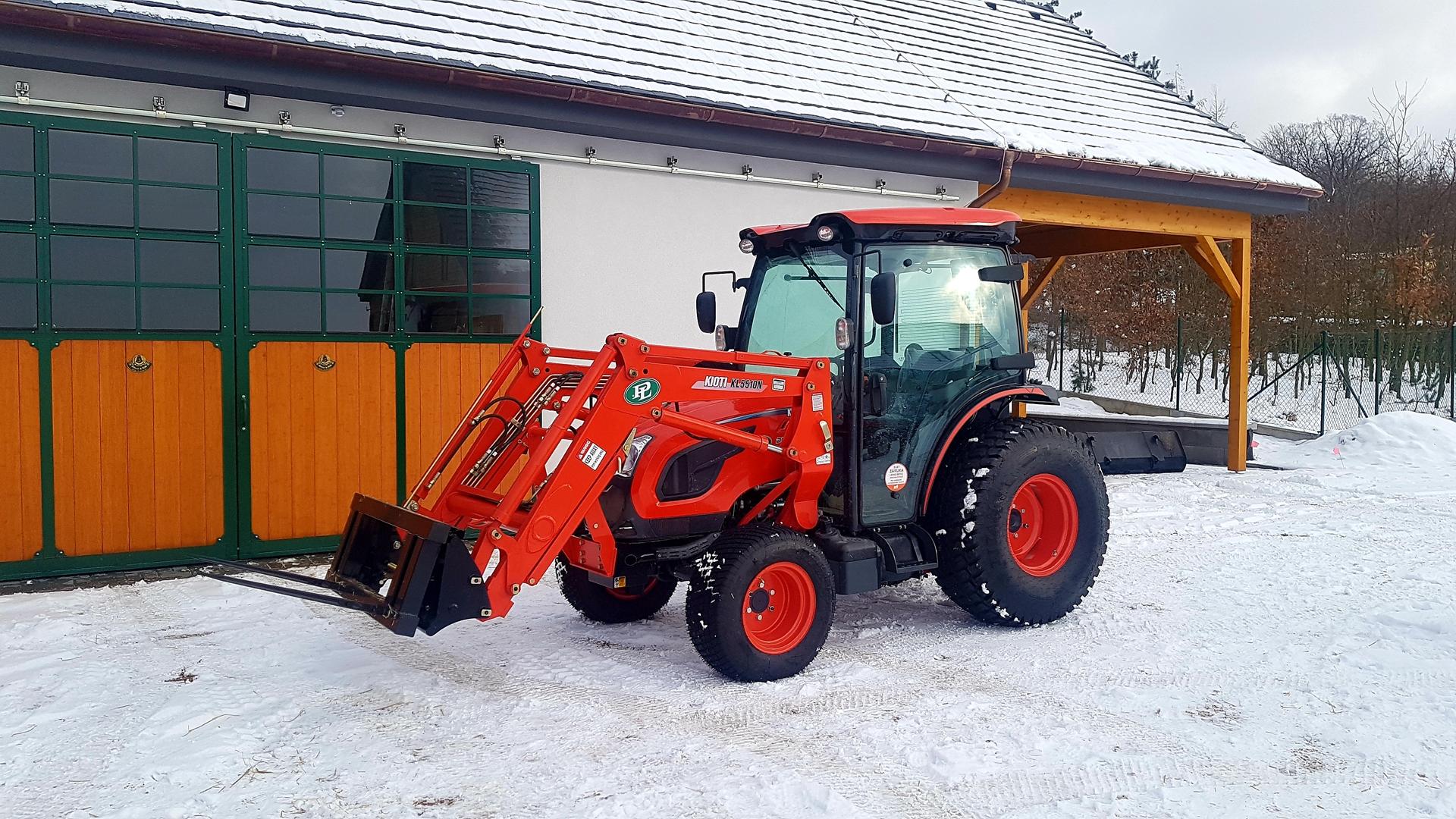 Vojackovi-DK6010CH-Kioti.jpg
