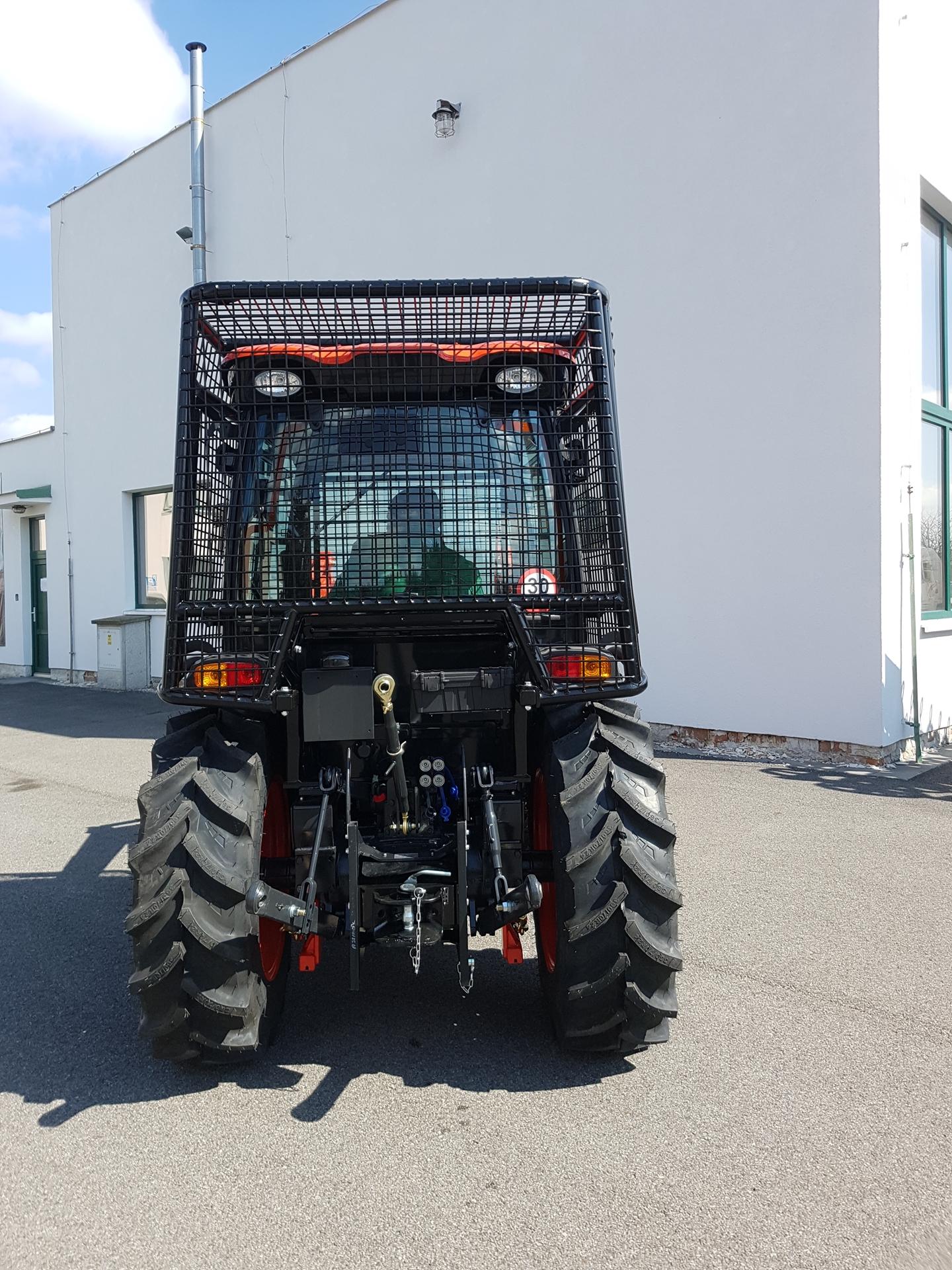 Kioti-DK6010CH-s-lesni-nastavbou-ISO-8083-8084-OPS-FOPS-dotace.jpg