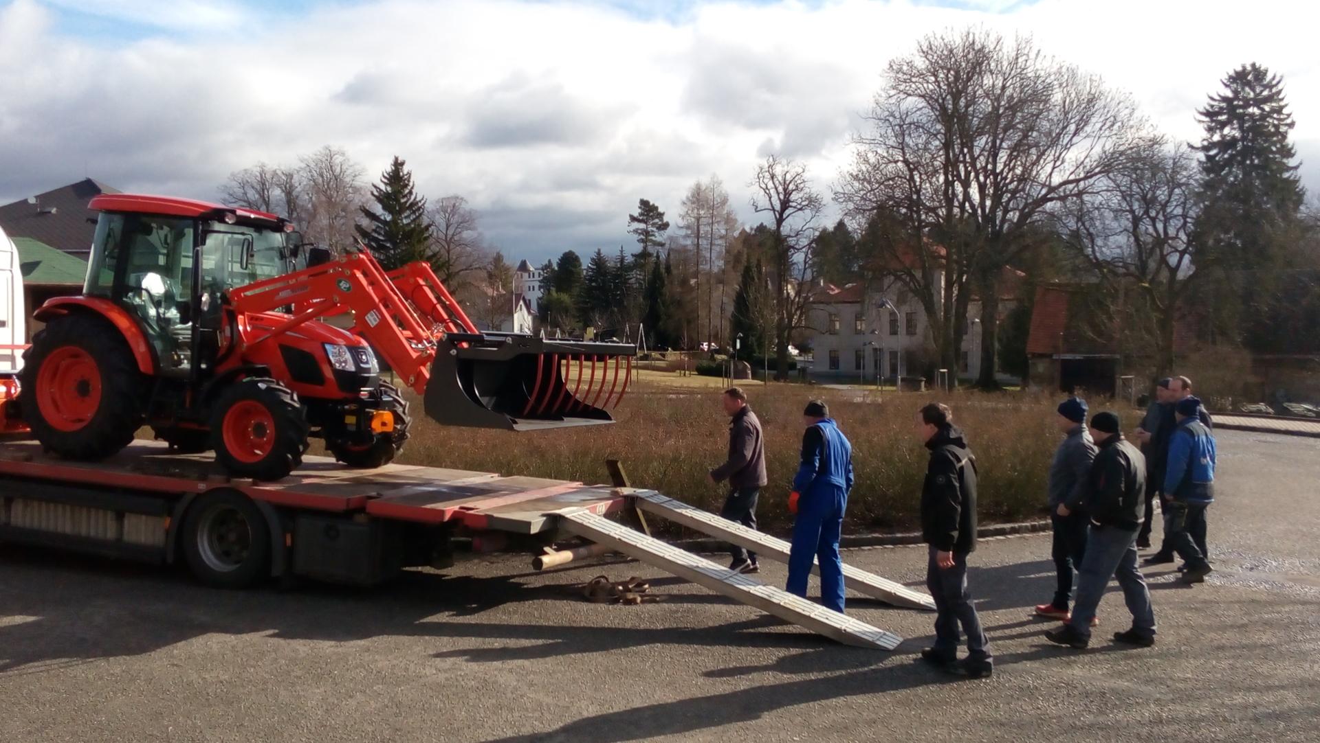 Predani-traktoru-Magrix-Kioti.jpg