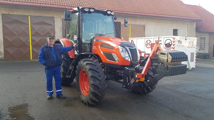 Traktor-Kioti-PX1053PC-Technicke-sluzby-Kutna-hora-(1).jpg