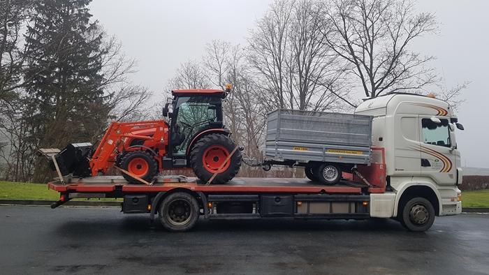 Trakto-Kioti-DK6010CH-s-vozikem-kamion-P-L.jpg