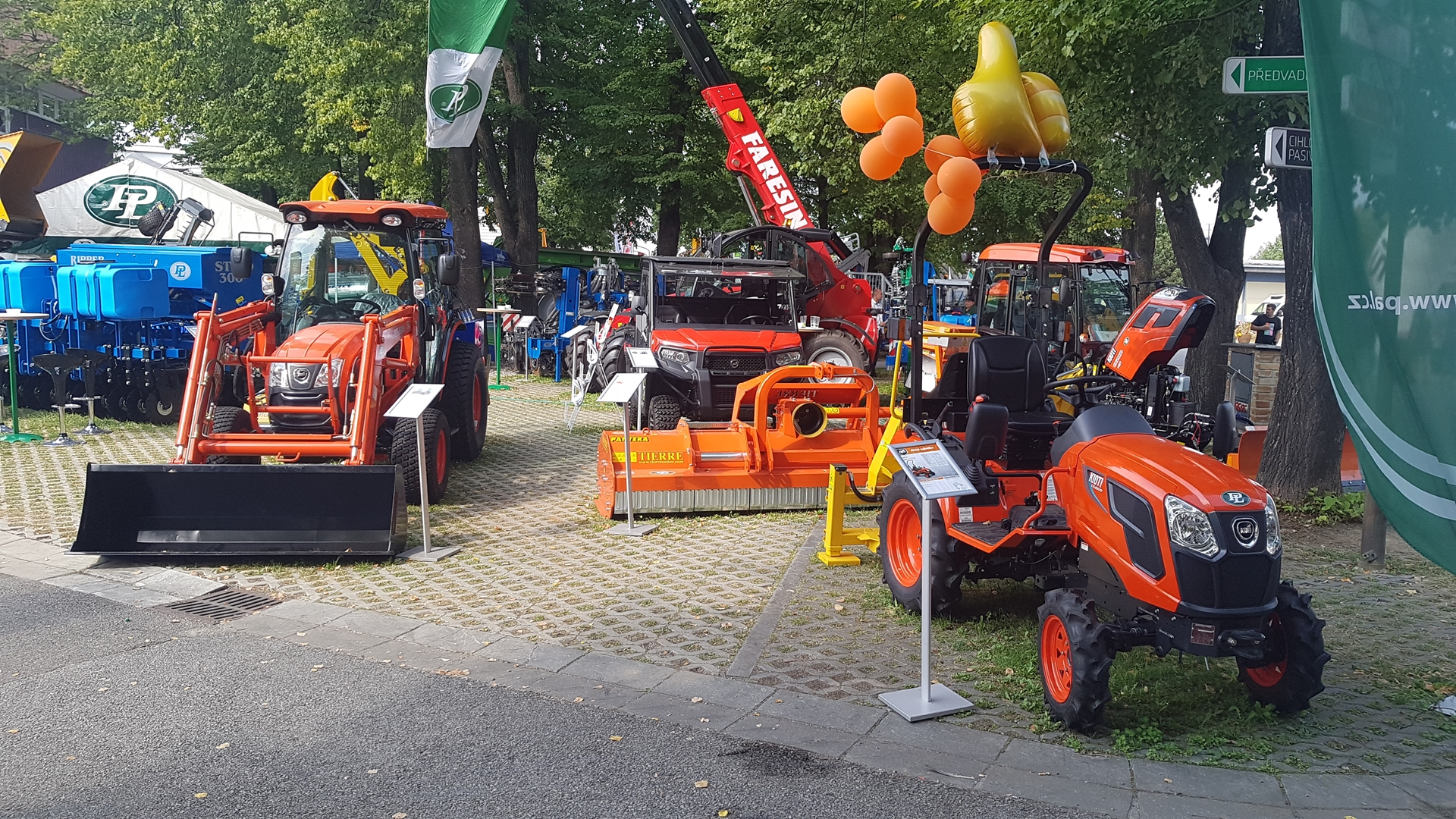 Traktory-Kioti-Zeme-Zivitelka.jpg