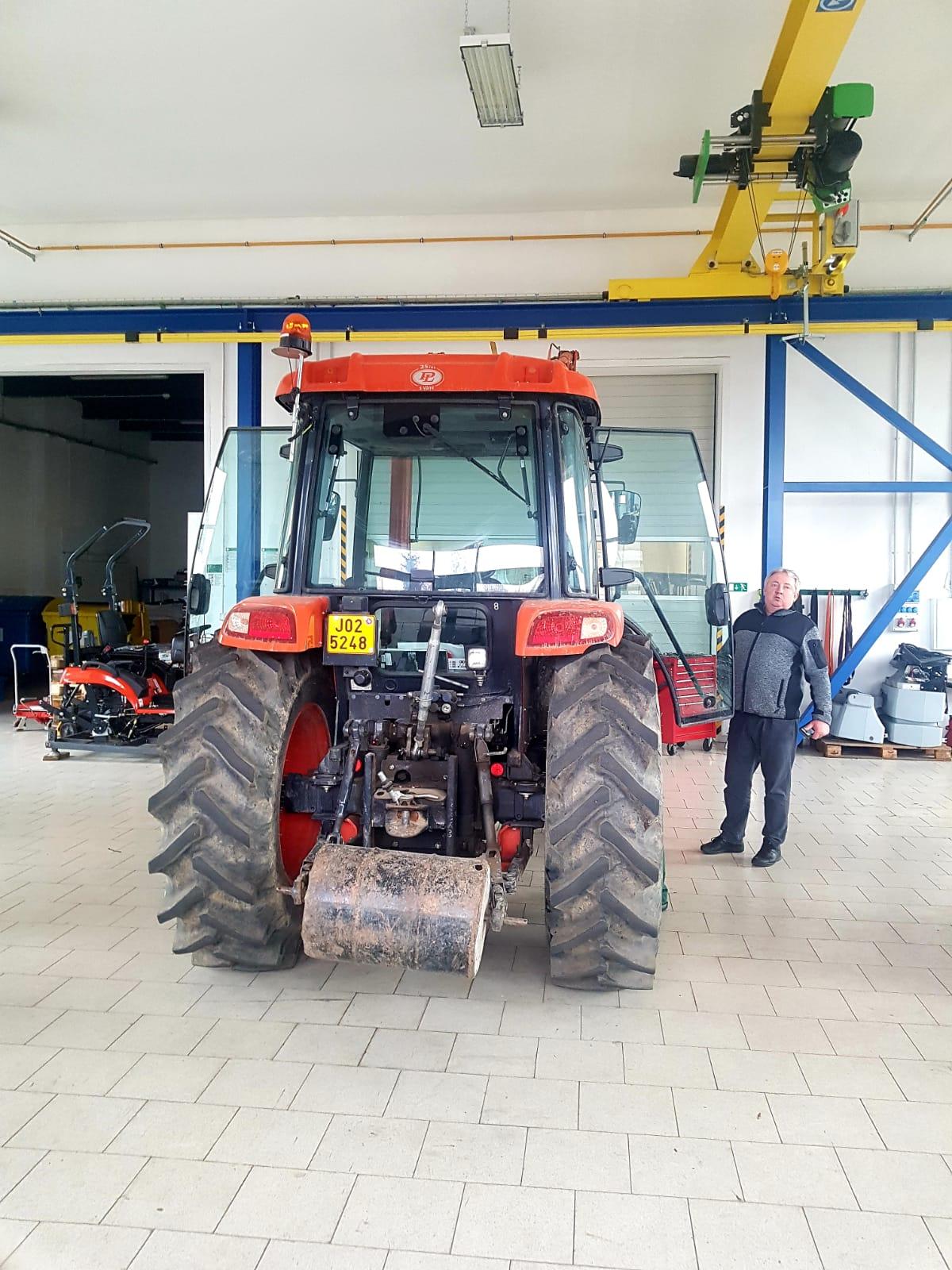 Traktor-Kioti-RX7330-na-dilne.jpeg