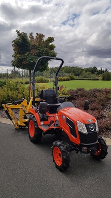 Traktor-Kioti-CS2220-s-podkopem-S-C.jpg