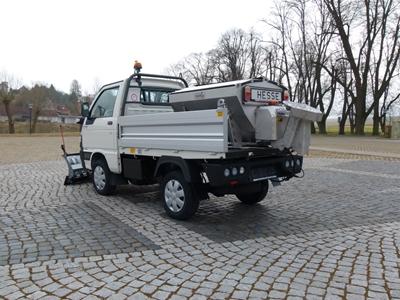 Winterdienstfahrzeuge_Piaggio_Porter_4x4_SnowStriker_Modell_2018_Hesse_Winterdiensttechnik21.JPG