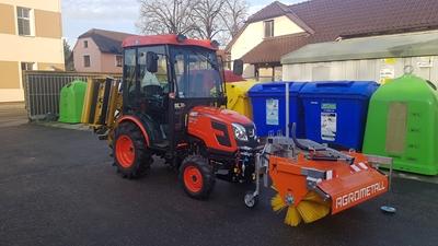 Traktor-Kioti-CK2810-Predani-traktoru-Velky-Osek4.jpg