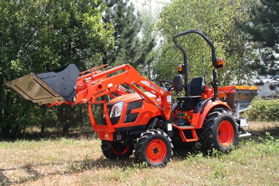 Traktor-Kioti-CK2810-s-celnim-nakladacem.jpg