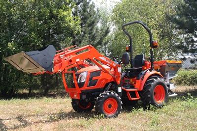 Traktor-Kioti-CK3310-s-celnim-nakladacem.jpg