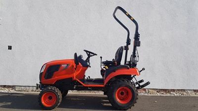 Traktor-Kioti-CS2220-na-prumyslovych-kolech-(2).jpg