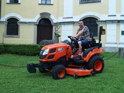 Traktor-Kioti-CS2610-(1).JPG