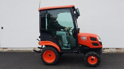Traktor-Kioti-CS2610-s-kabinou-Mauser1.jpeg