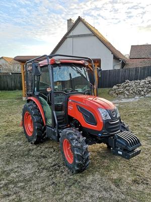 Traktor-Kioti-DK5010HS-s-kabinou-s-lesni-nastavbou-(1).jpg