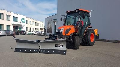 Traktor-Kioti-DK6010-CH-s-radlici-Hilltip-a-rozmetadlem-Eco-Tech.jpg