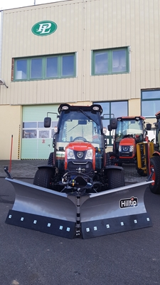 Traktor-Kioti-DK6010CH-s-pluhem-Hilltip-VTR2400-(1).jpg