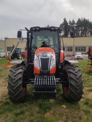 Traktor-Kioti-PX1053-PC-s-vyvazeckou-Scandic2.jpg