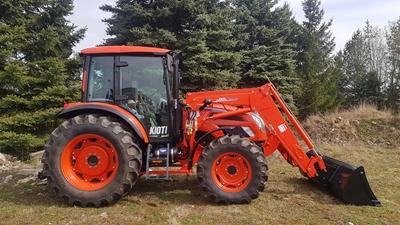 Traktor-Kioti-PX1053-front-loader-Kioti.jpg