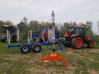 Traktor-Kioti-PX1153-PC-s-vyvazeckou-Scandic.jpg